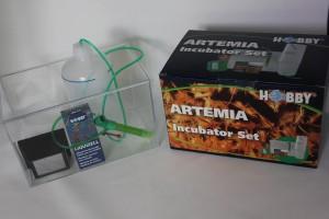 Artemia Aufzuchtset von schräg oben fotographiert